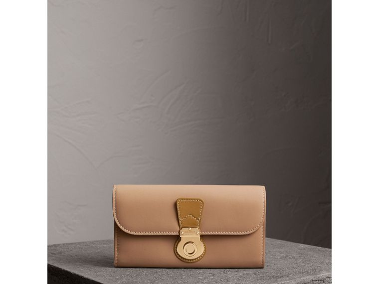 Two-tone Trench Leather Continental Wallet in Ochre Yellow/honey - Women | Burberry - cell image 4