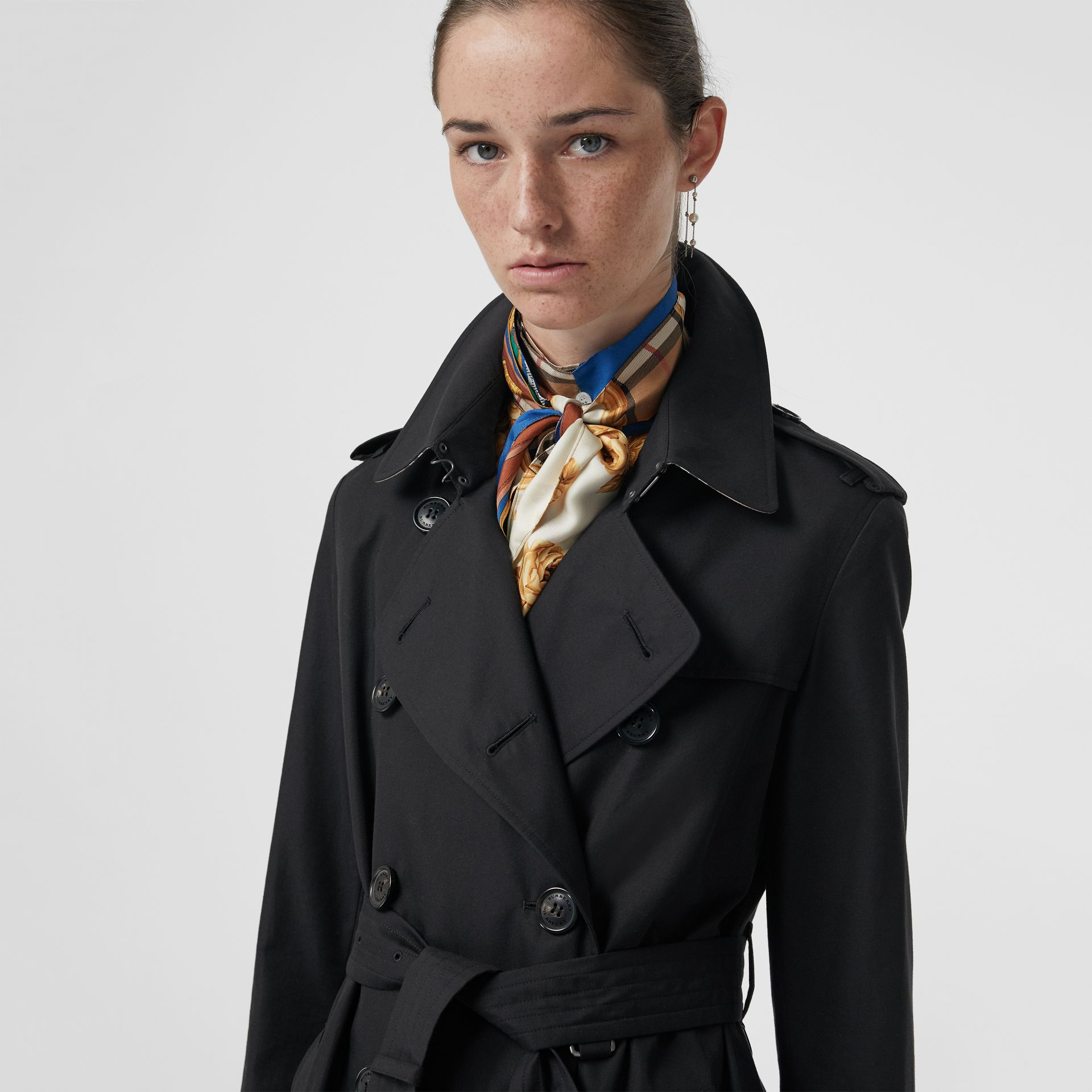 The Kensington Heritage Trench Coat in Midnight - Women | Burberry Singapore - gallery image 1
