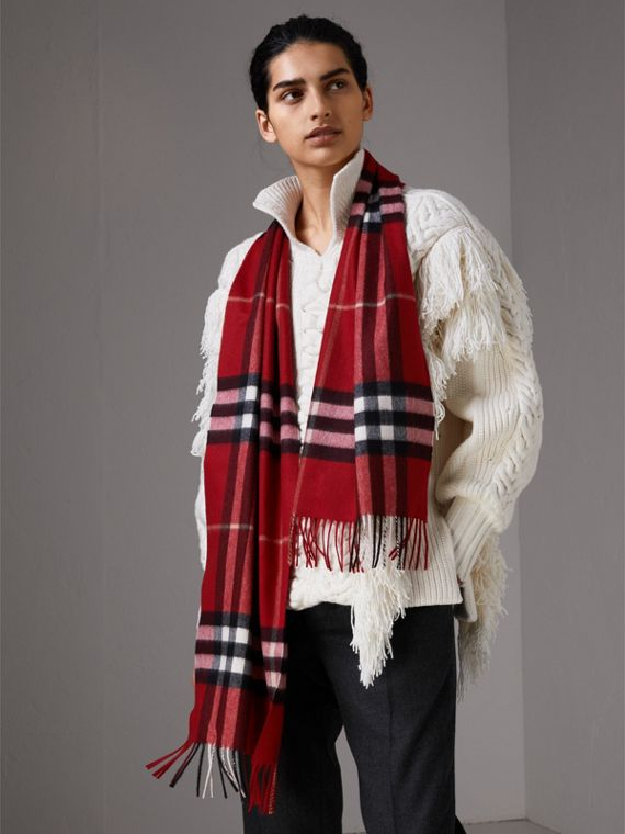 The Classic Check Cashmere Scarf in Parade Red | Burberry Canada - cell image 2