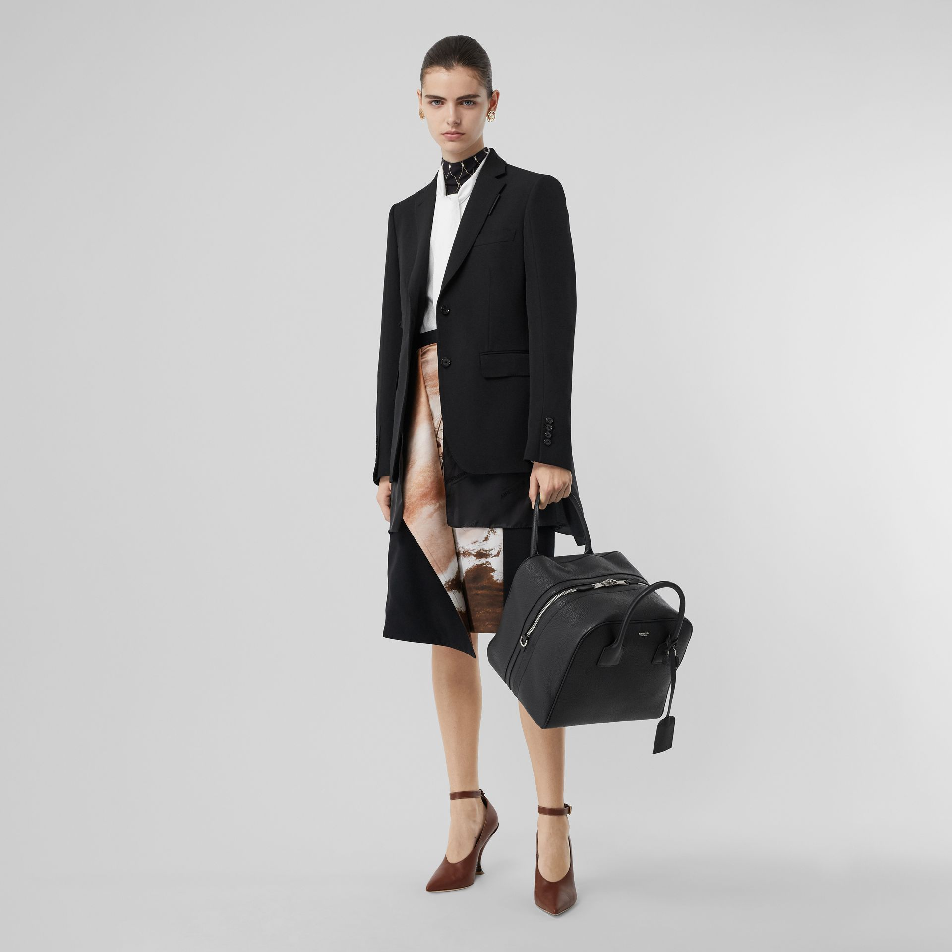 Medium Leather Cube Bag in Black - Women | Burberry Australia - gallery image 5