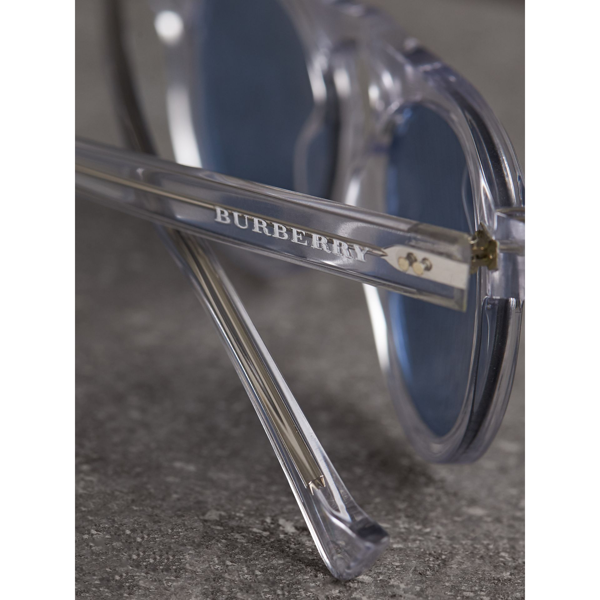 The Keyhole Round Frame Sunglasses in Crystal/blue | Burberry United Kingdom - gallery image 1