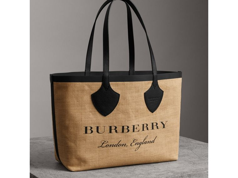 The Medium Giant Tote in Graphic Print Jute in Black - Women | Burberry Hong Kong - cell image 4