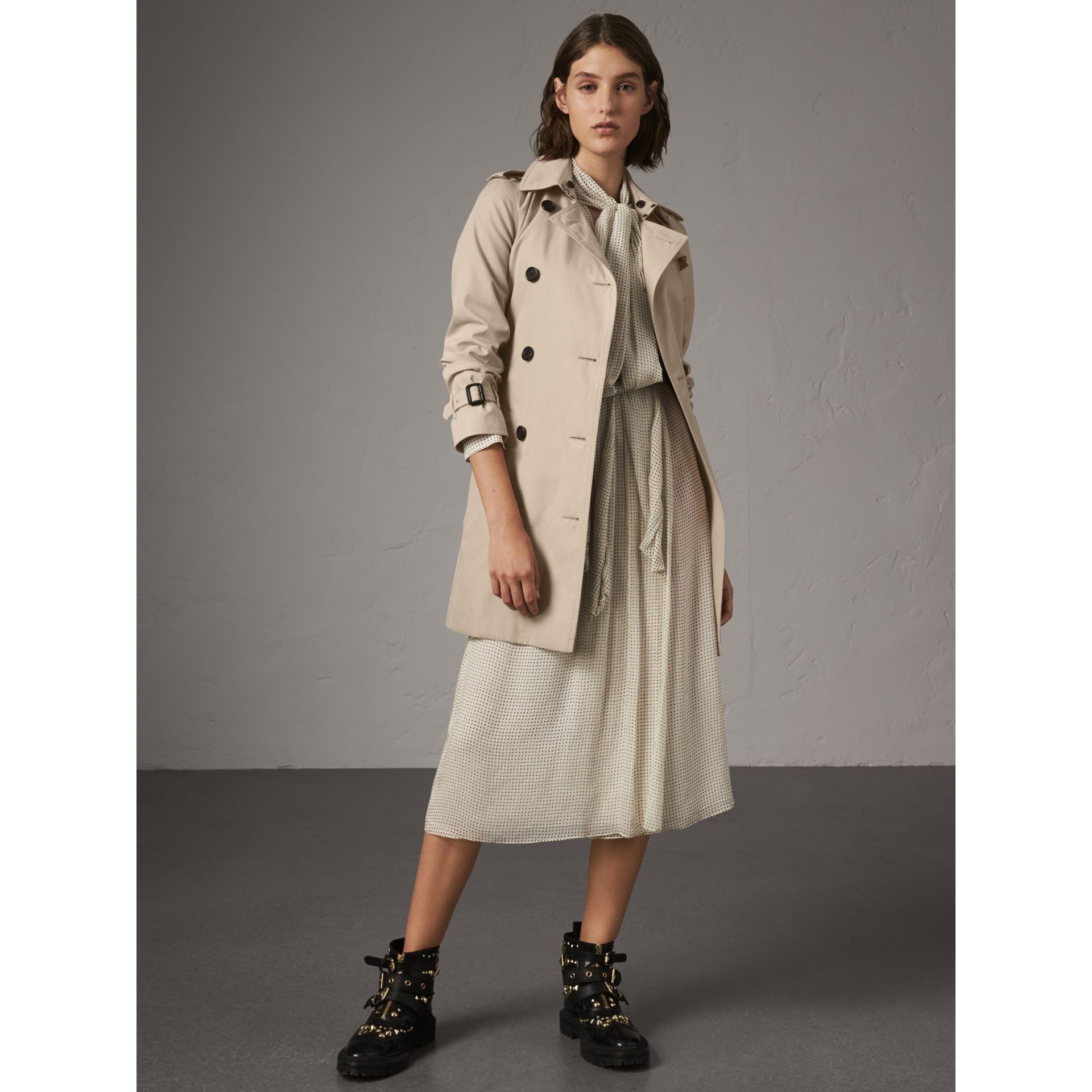 The Kensington – Mid-Length Heritage Trench Coat in Stone - Women | Burberry - gallery image 1