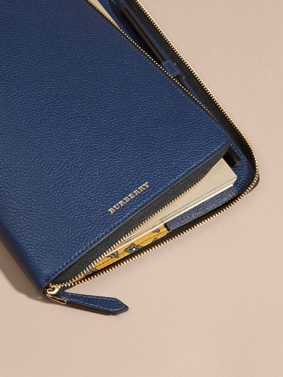 Bright navy Ziparound Grainy Leather A5 Notebook Bright Navy - cell image 2