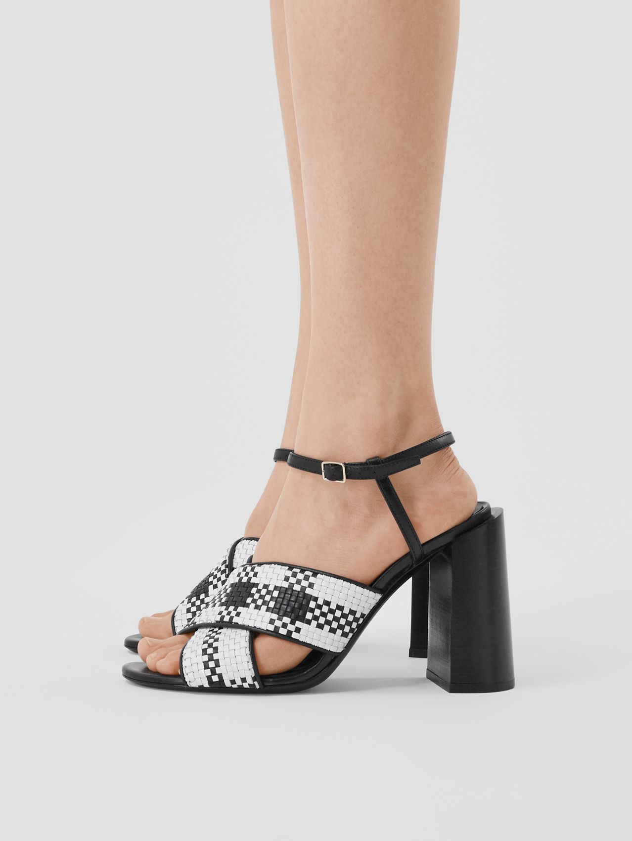 Latticed Leather Block-heel Sandals (Black/white)