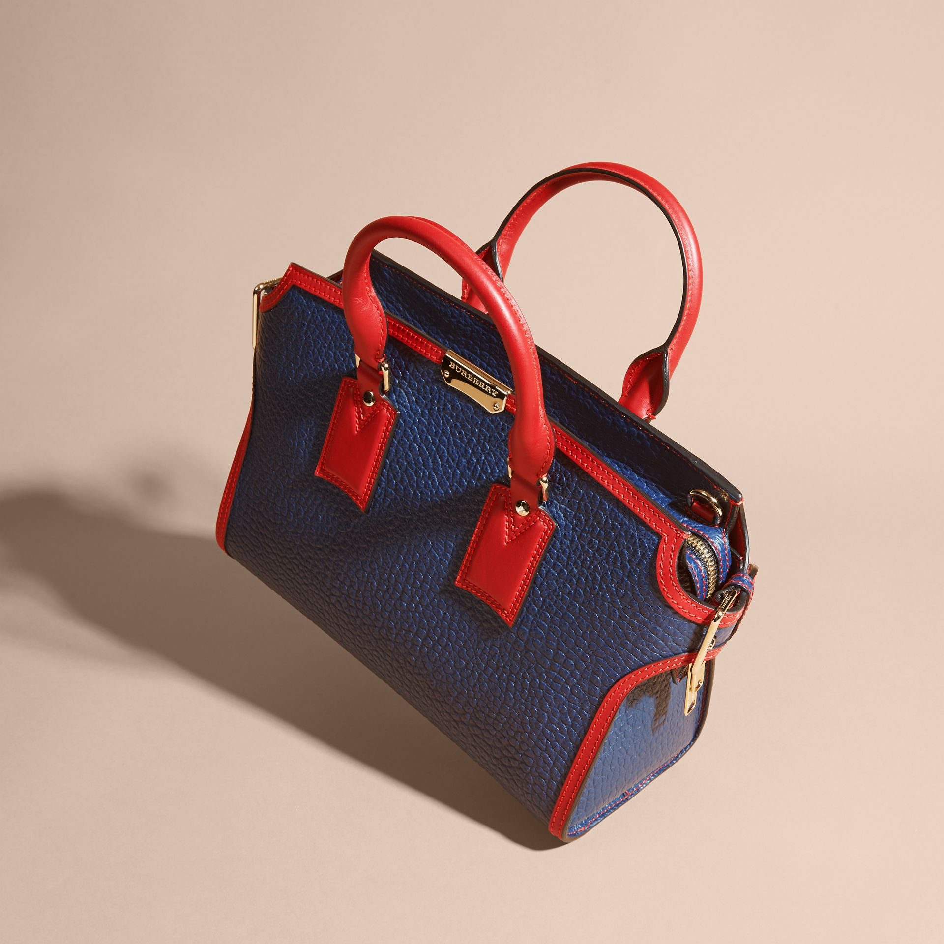 Blue carbon/parade red The Medium Clifton in Signature Grain Leather with Border Detail - gallery image 8