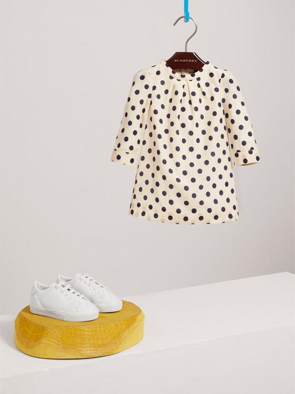 Vestitino svasato in cotone e seta con stampa a pois (Bianco Naturale) | Burberry - cell image 2