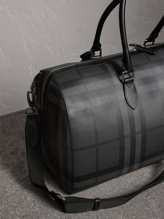 Bolsa de viagem em estampa London Check e couro (Grafite/preto) - Homens | Burberry - cell image 2
