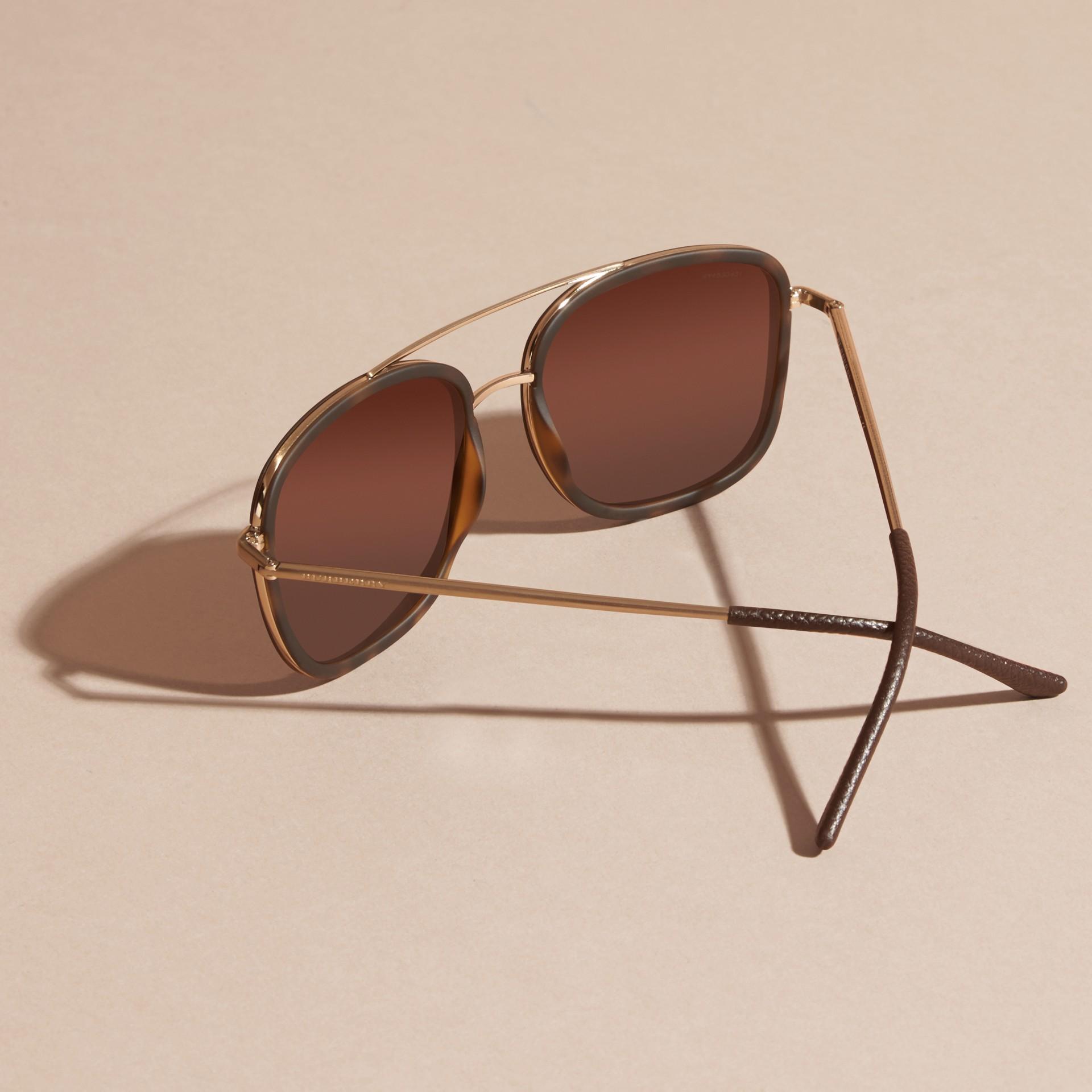 Casco de tartaruga Óculos de sol com armação quadrada de acetato e detalhe em couro Casco  Tartaruga - galeria de imagens 3