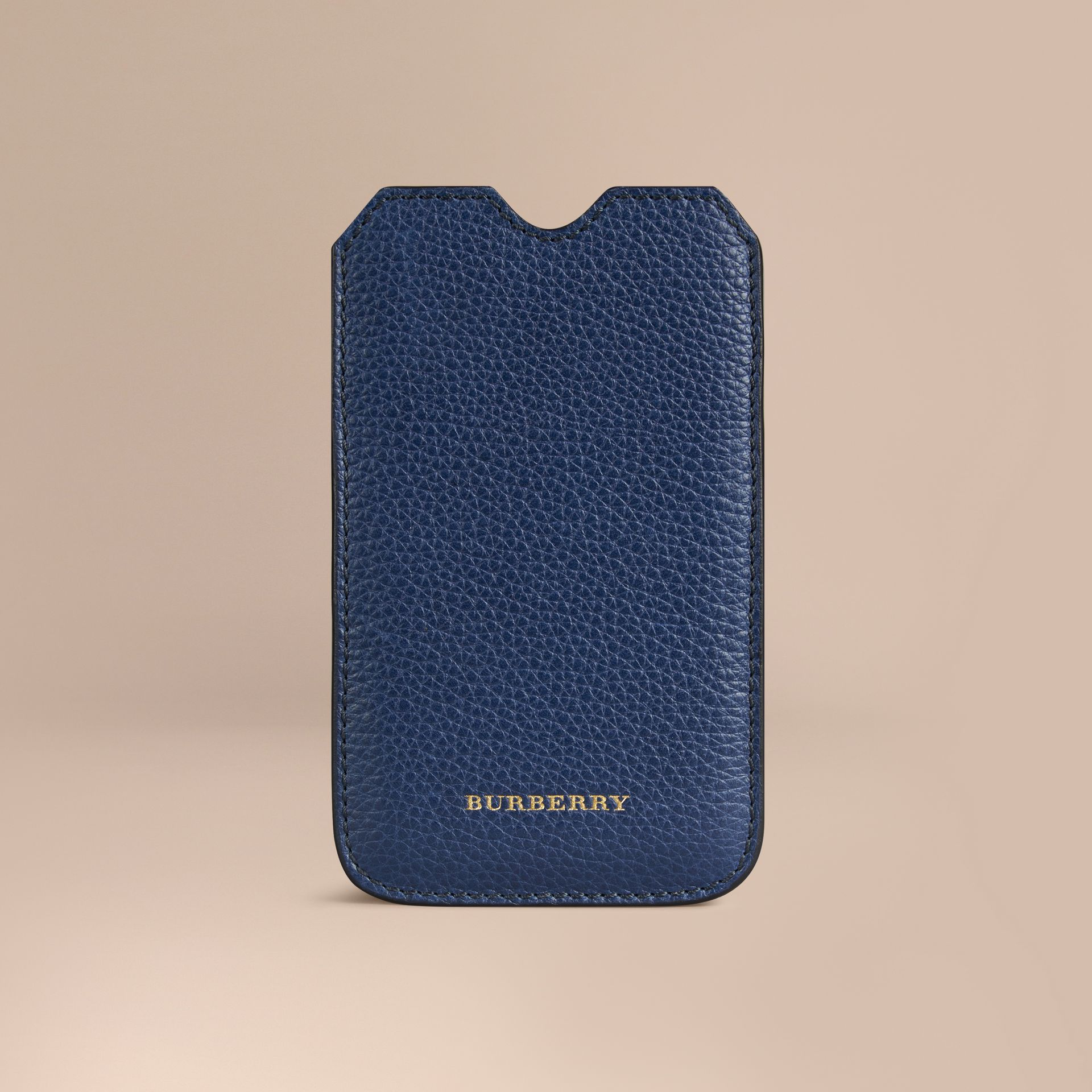 Custodia in pelle a grana per iPhone 5/5S (Navy Intenso) | Burberry - immagine della galleria 1