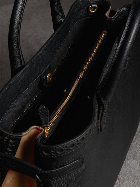 The Large Banner in Brogue Detail Leather in Black - Women | Burberry - cell image 3