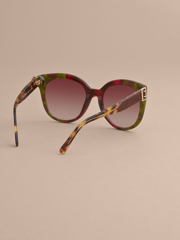 Buckle Detail Cat-eye Frame Sunglasses in Cardinal Red - Women | Burberry Canada - cell image 3