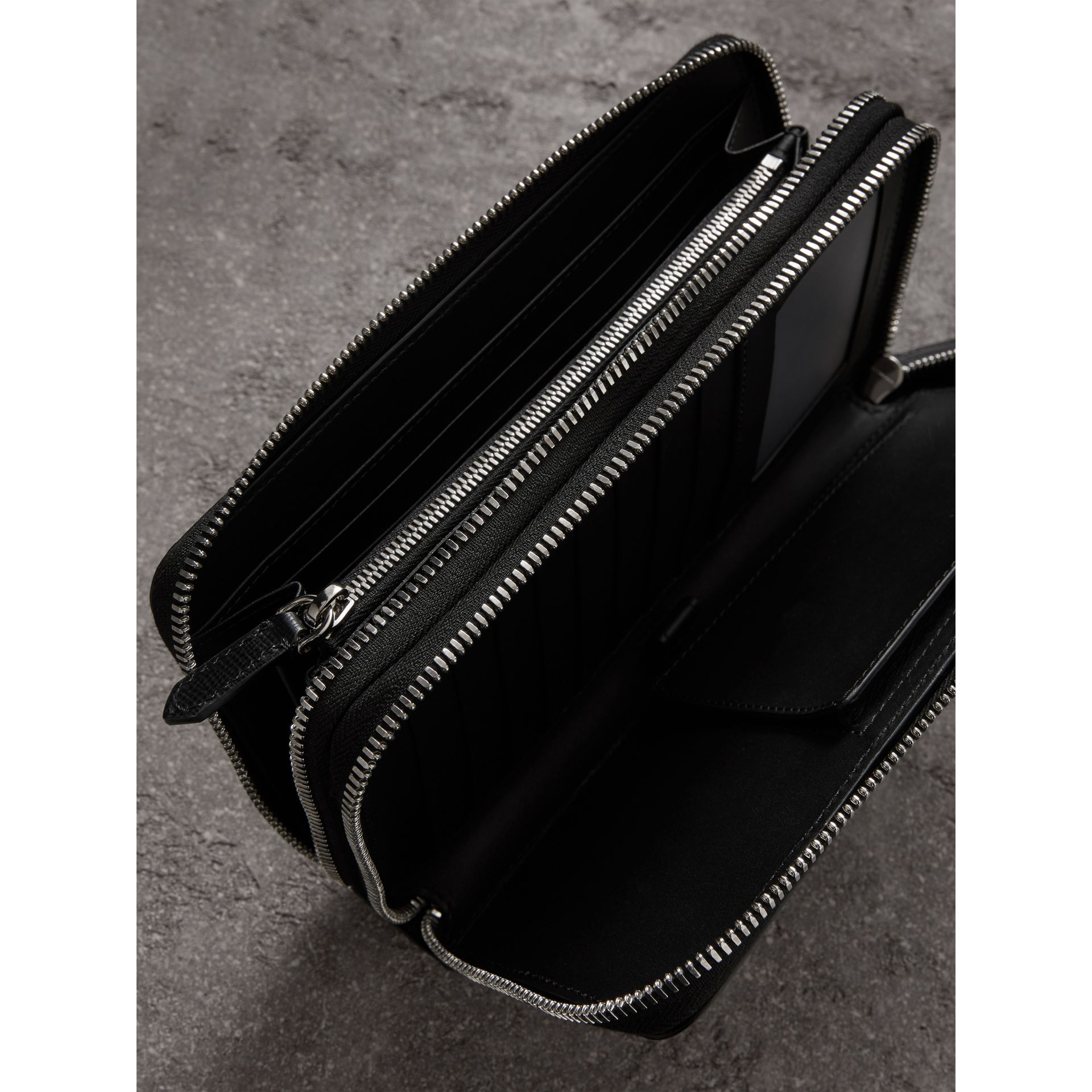 London Leather Travel Wallet in Black - Men | Burberry - gallery image 4