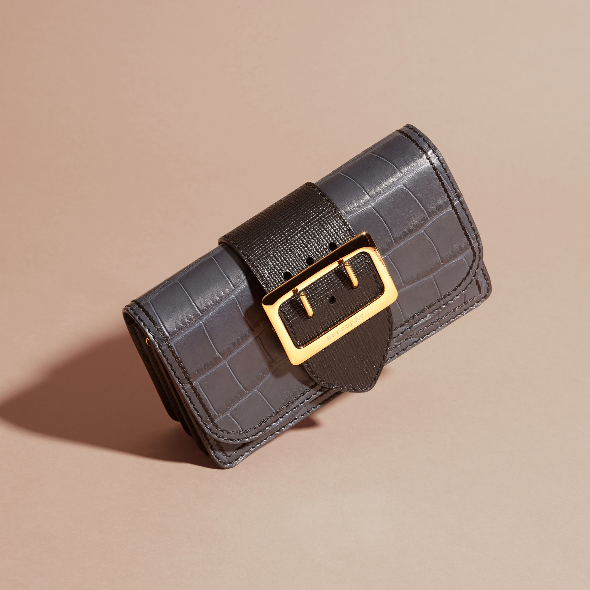 Petit sac The Buckle en alligator et cuir (Marine/noir) - Femme | Burberry - photo de la galerie 8