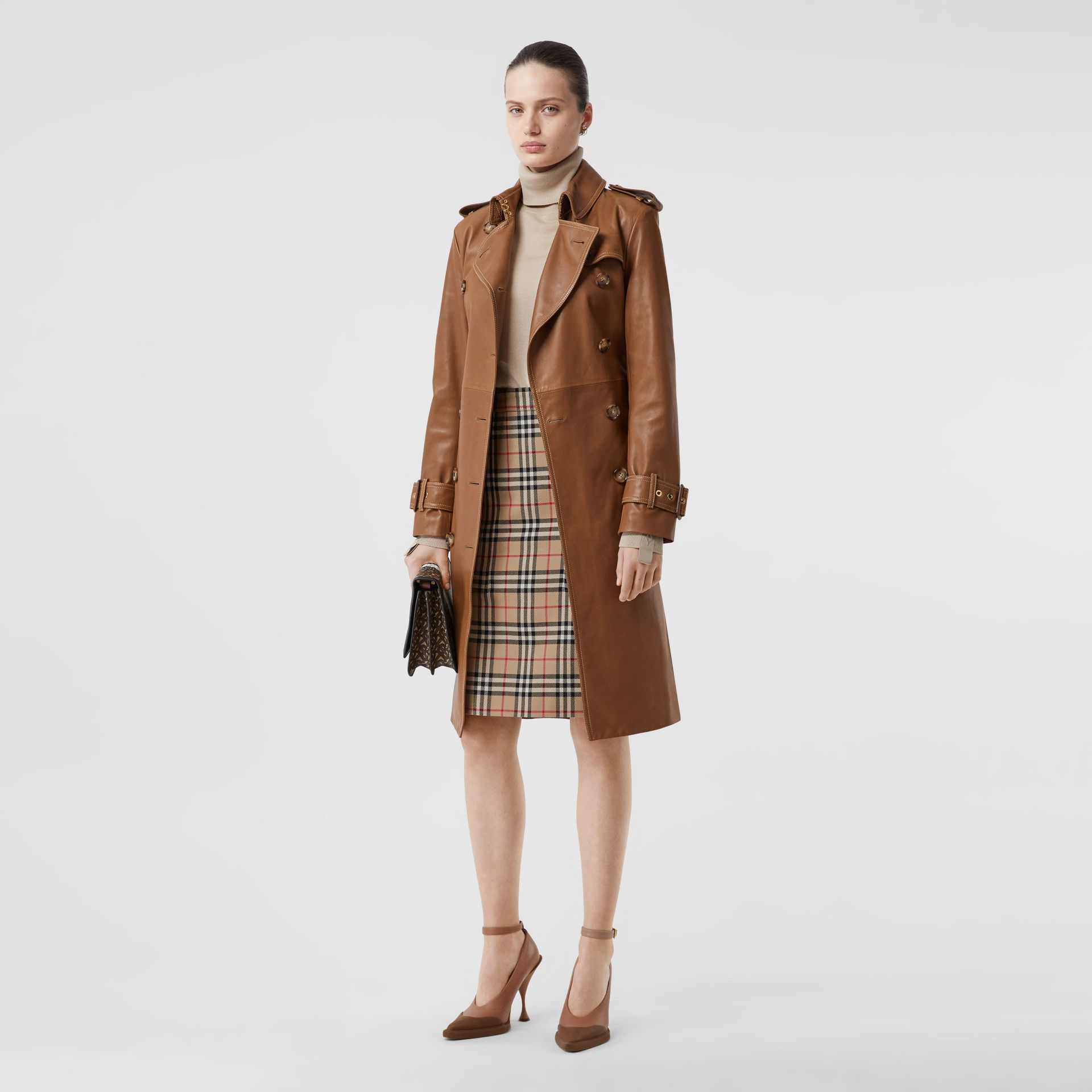Pocket Detail Vintage Check Wool Pencil Skirt in Archive Beige - Women | Burberry - gallery image 0