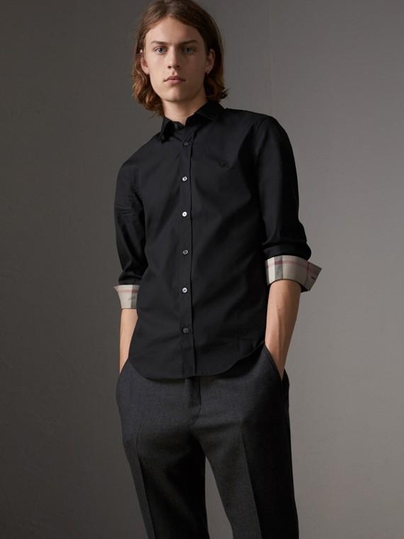 Hemd aus Stretch-Baumwollpopelin mit Check-Detail (Schwarz)