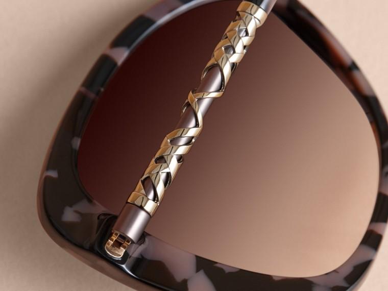 Check Detail Butterfly Frame Sunglasses Tortoiseshell - cell image 1