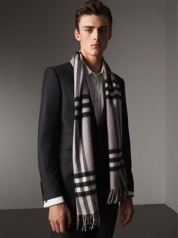 The Classic Cashmere Scarf in Check in Dusty Lilac | Burberry Australia - cell image 3