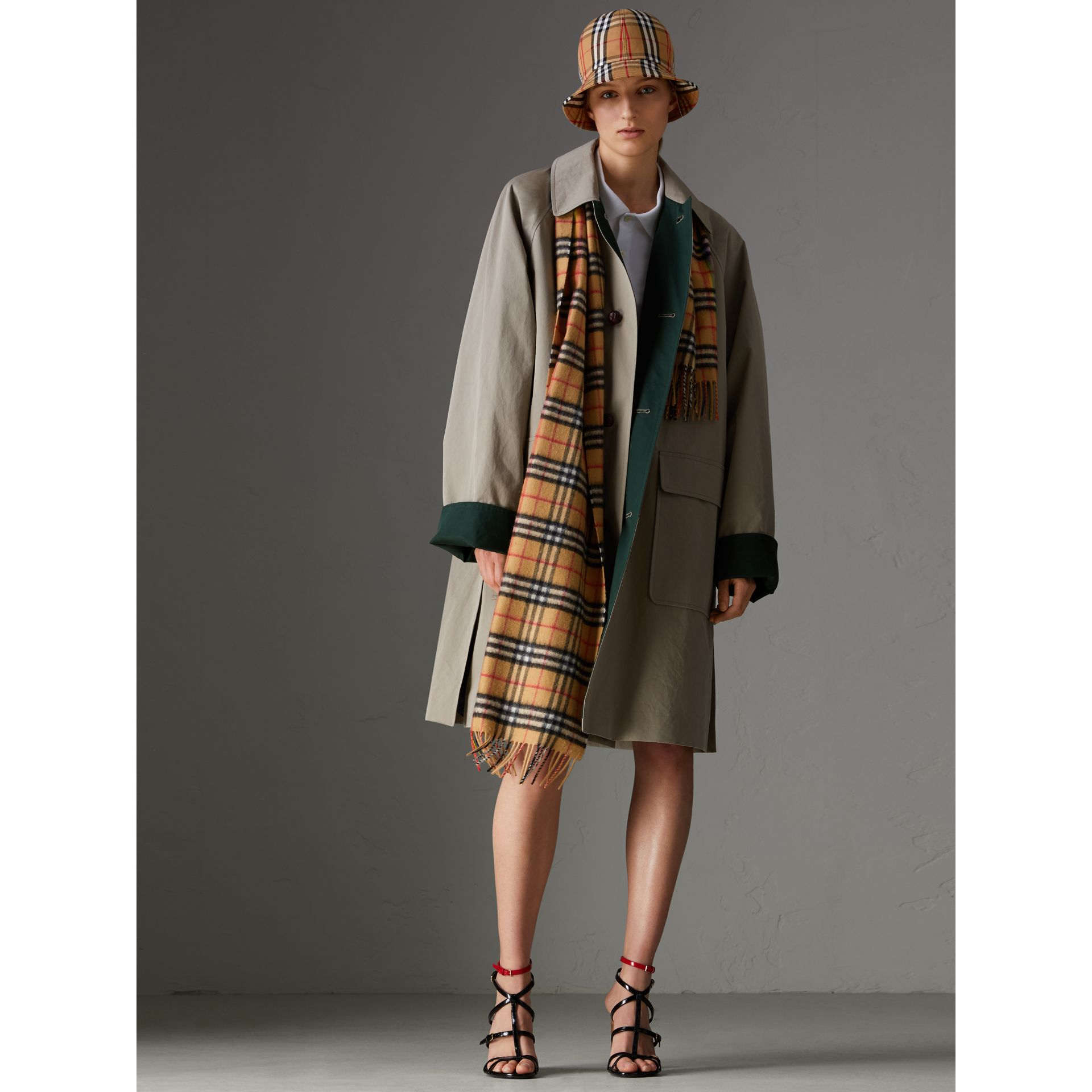 The Classic Rainbow Vintage Check Cashmere Scarf in Antique Yellow | Burberry United Kingdom - gallery image 2