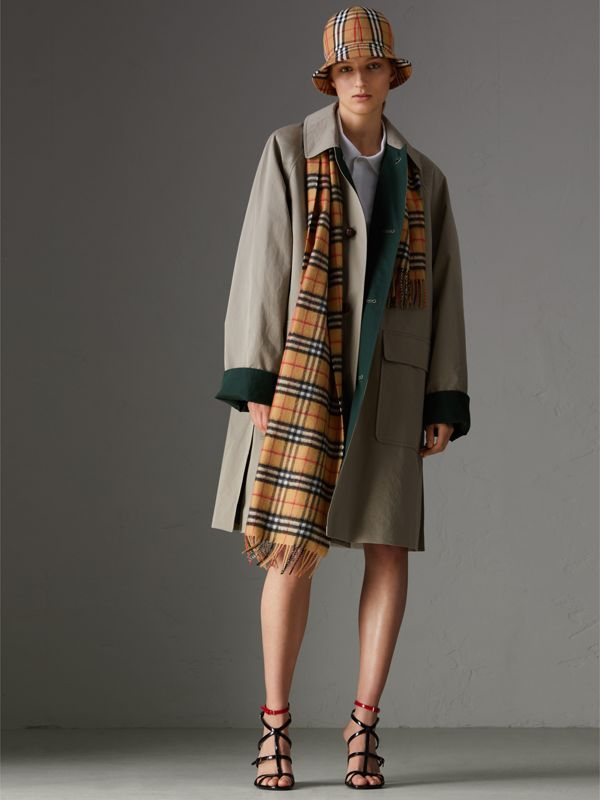 The Classic Rainbow Vintage Check Cashmere Scarf in Antique Yellow | Burberry - cell image 2