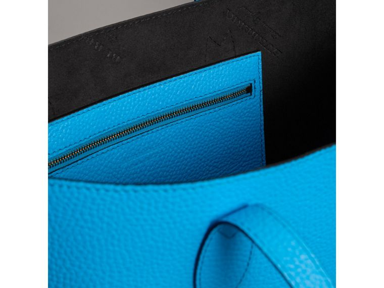 Medium Embossed Leather Tote in Neon Blue | Burberry Singapore - cell image 4