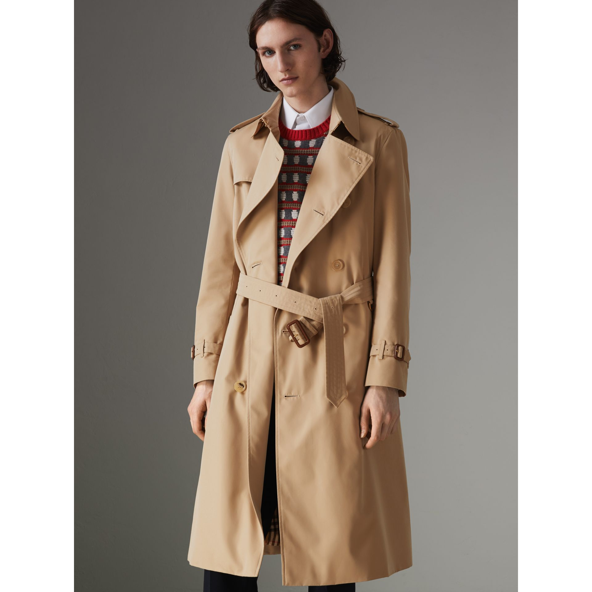 The Long Chelsea Heritage Trench Coat in Honey - Men | Burberry Australia - gallery image 5