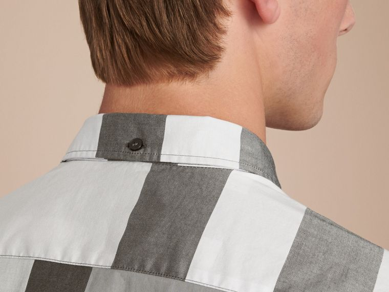 Button-down Collar Short-sleeve Check Cotton Shirt in Light Grey - Men | Burberry - cell image 4