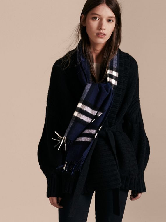 The Classic Cashmere Scarf in Check Indigo Blue - cell image 2