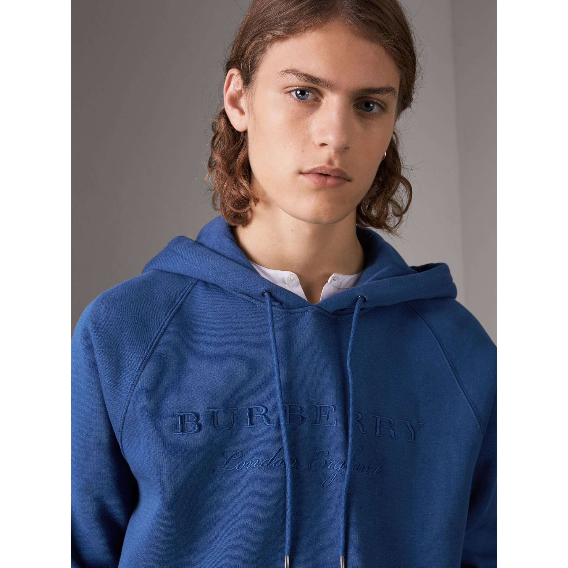 Embroidered Hooded Sweatshirt in Bright Blue - Men | Burberry United Kingdom - gallery image 2
