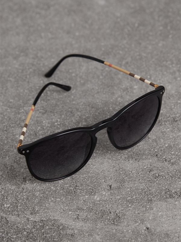 Check Detail Round Frame Sunglasses in Black - Men | Burberry United Kingdom - cell image 2