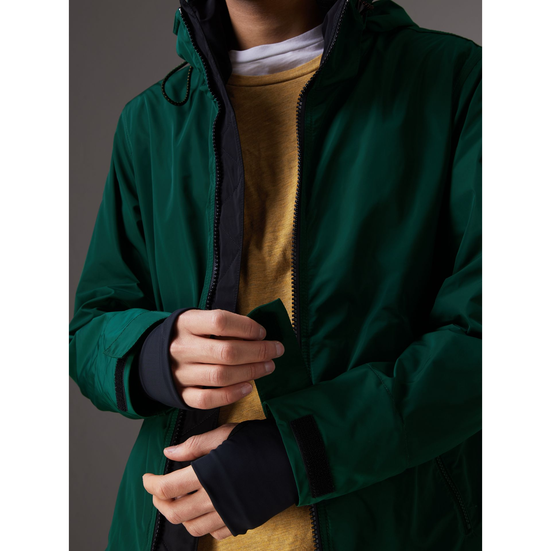 Packaway Hood Shape-memory Taffeta Jacket in Racing Green - Men | Burberry Australia - gallery image 4