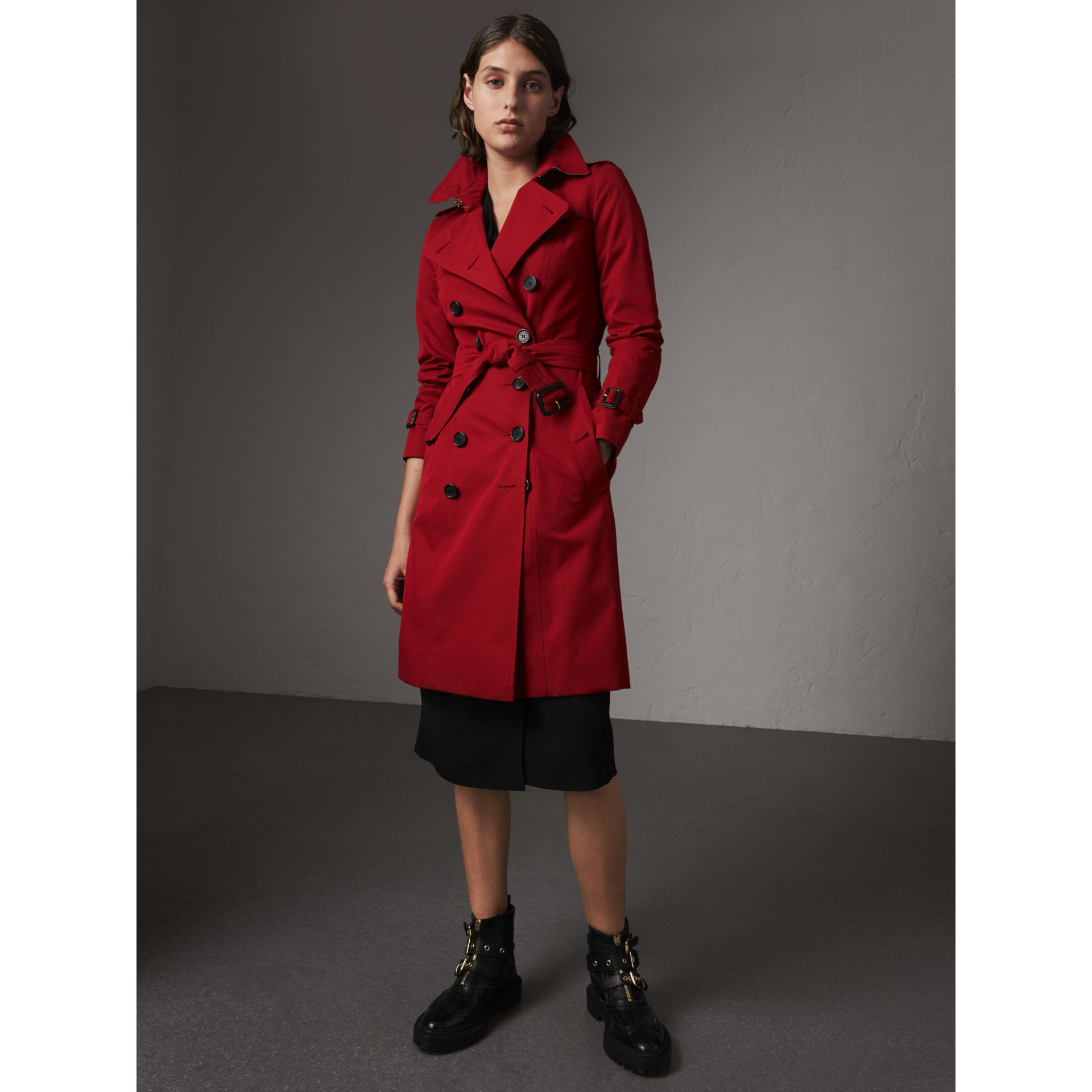The Chelsea – Long Trench Coat in Parade Red - Women | Burberry - gallery image 7