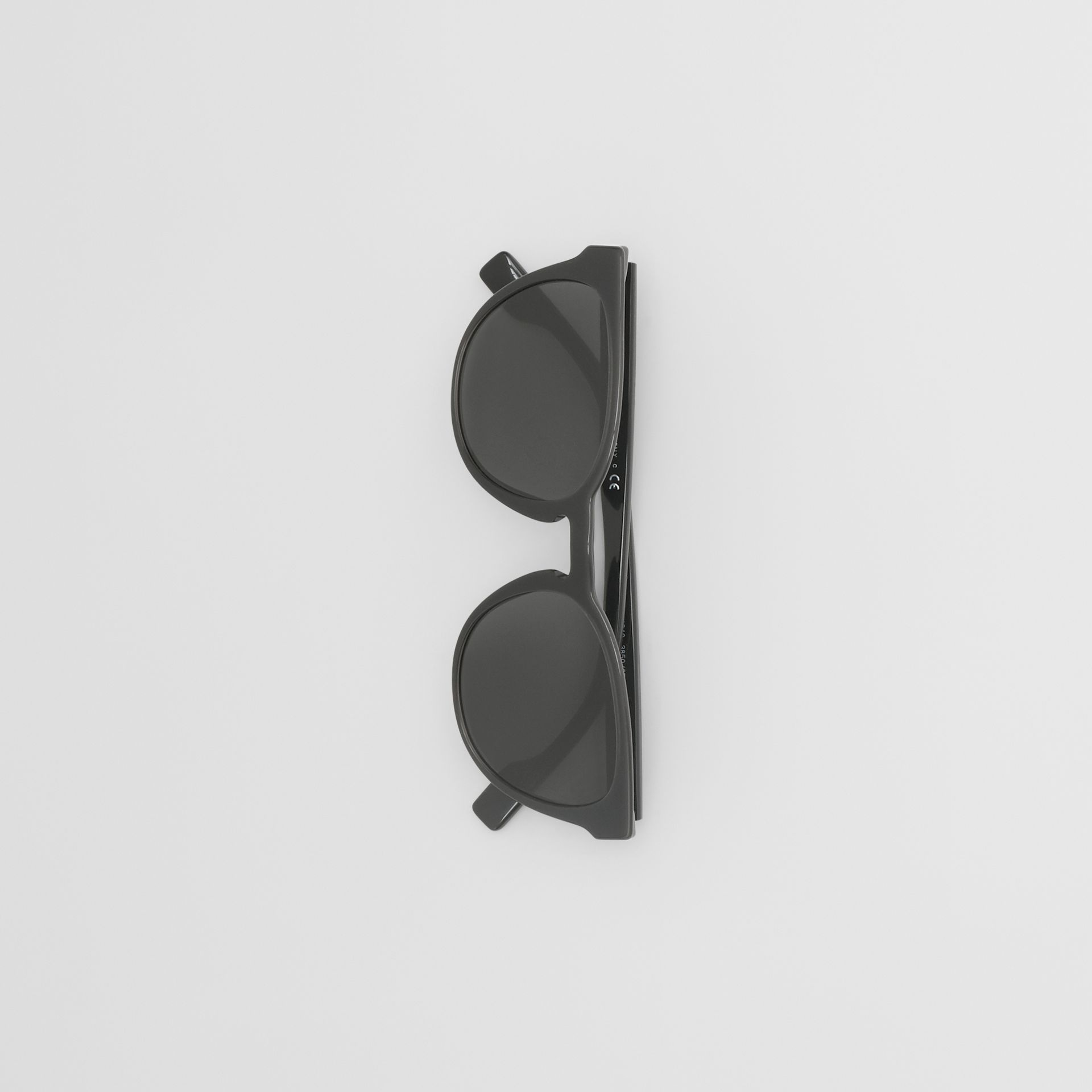 Round Frame Sunglasses in Black - Men | Burberry Australia - gallery image 2