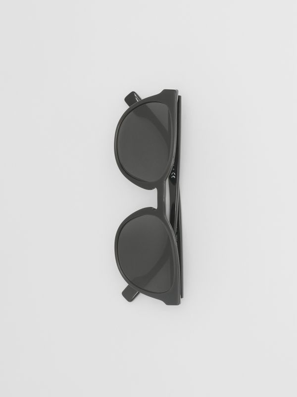 Round Frame Sunglasses in Black - Men | Burberry - cell image 2