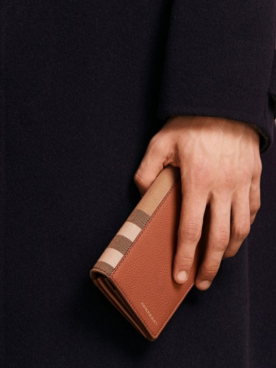 House Check and Grainy Leather Continental Wallet Russet - cell image 2