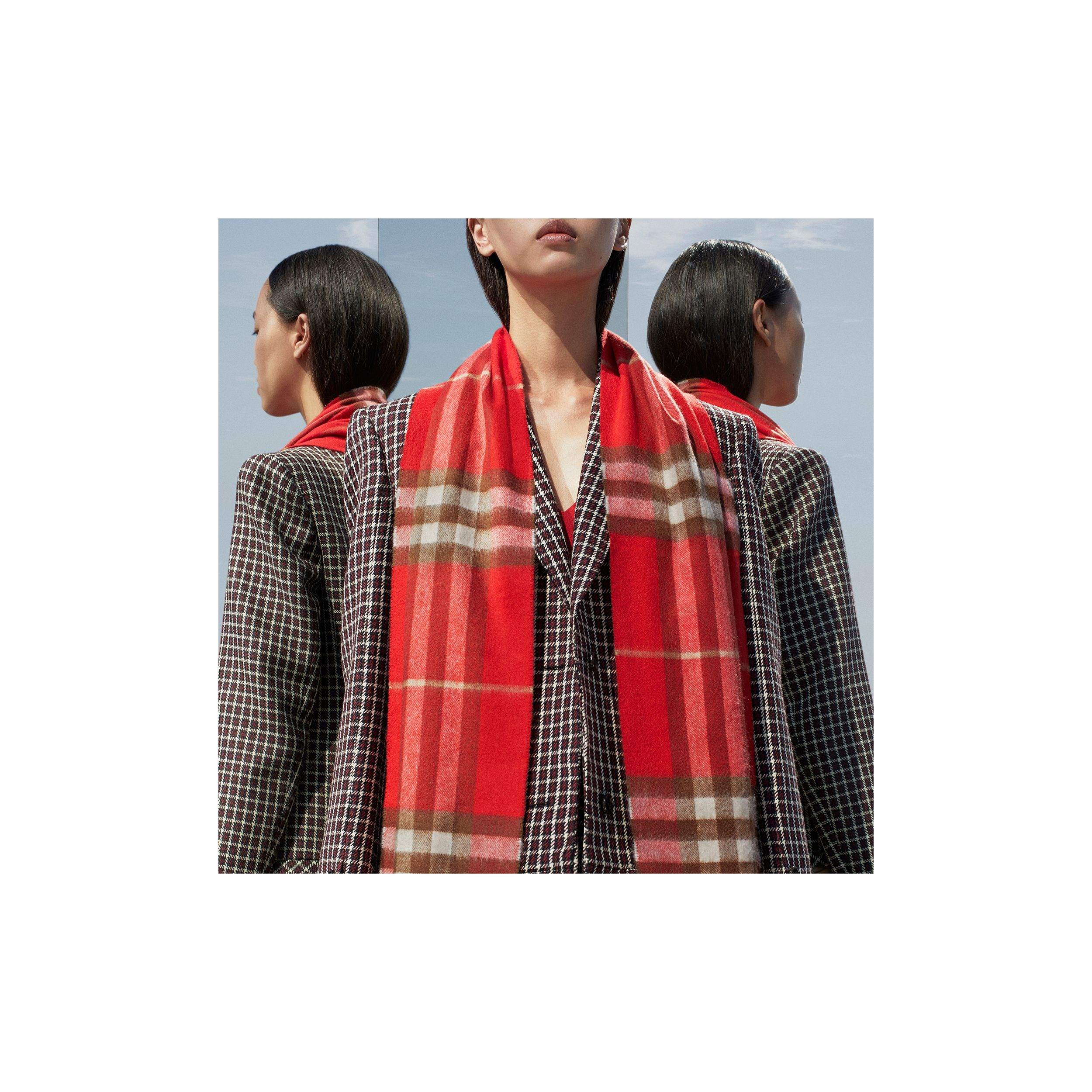 The Classic Check Cashmere Scarf in Red | Burberry - 2