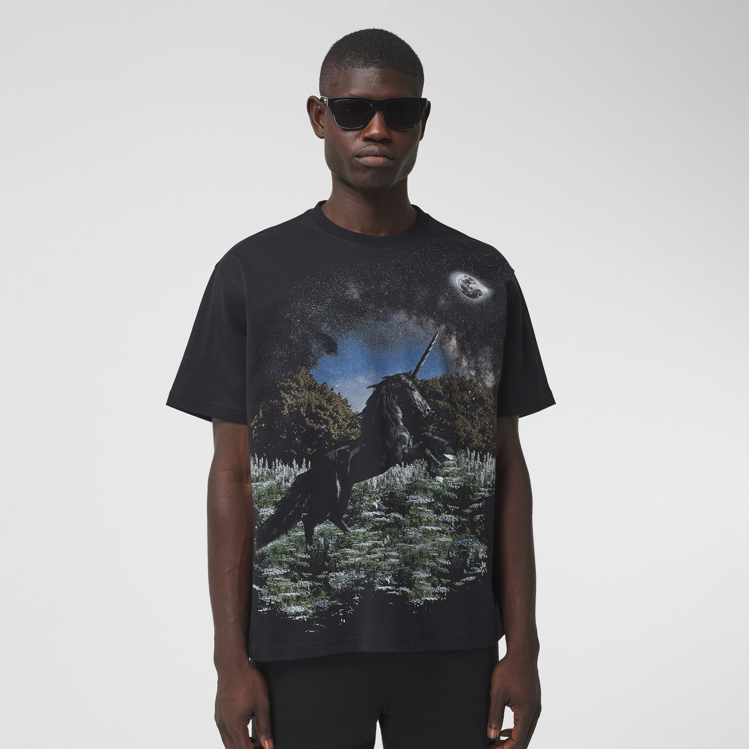 Meadow Print Cotton Oversized T-shirt in Black - Men | Burberry Australia - 1