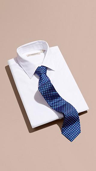 Gravata de seda estampada com corte moderno