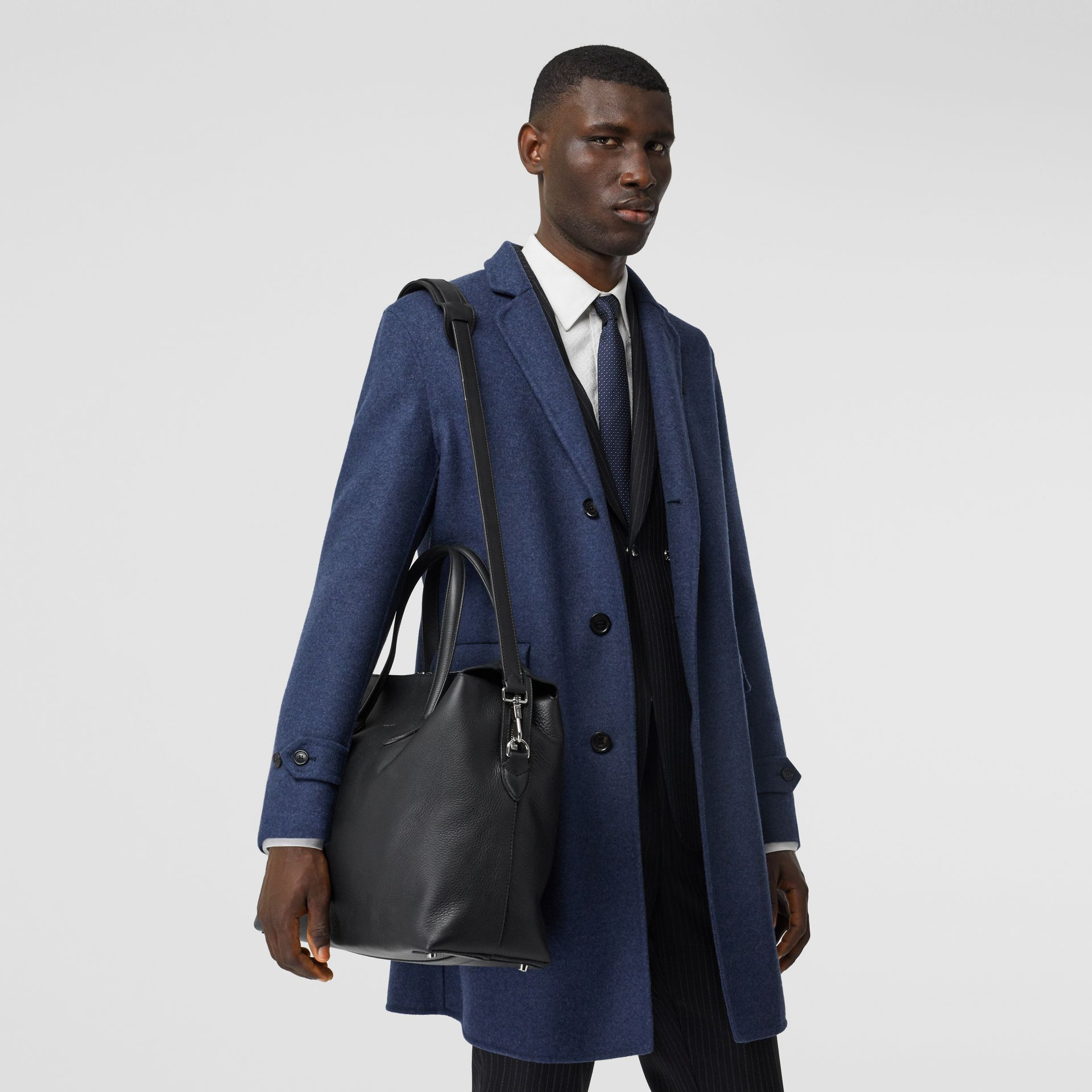 Grainy Leather Holdall in Black - Men | Burberry - gallery image 2