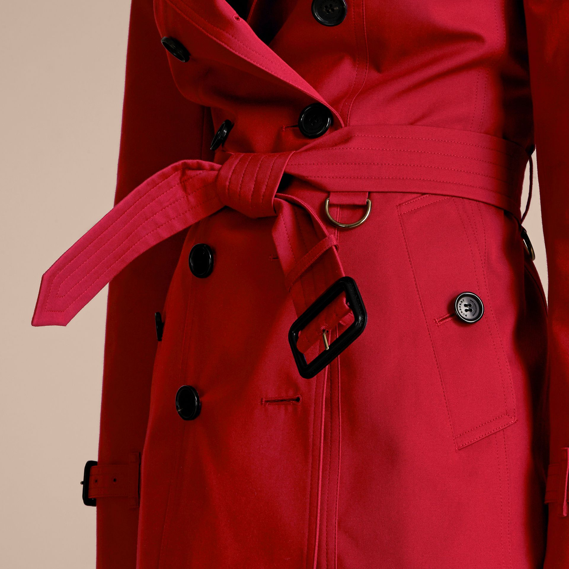 Parade red The Sandringham – Short Heritage Trench Coat Parade Red - gallery image 6
