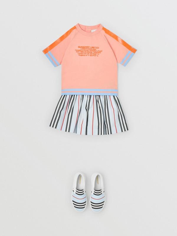 T-shirt en coton avec coordonnées géographiques (Pêche) - Enfant | Burberry Canada - cell image 2