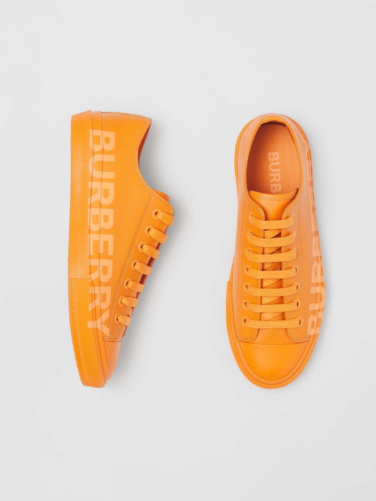 Sneakers en cuir avec logo – Exclusivité en ligne (Orange Intense)