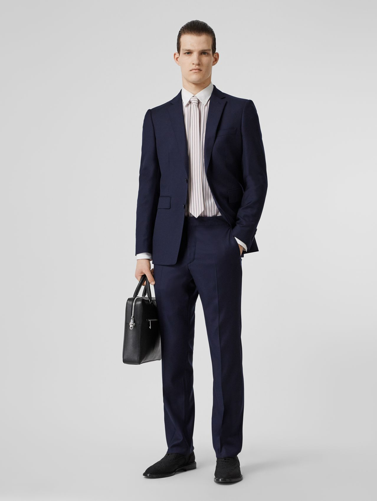 Classic Fit Wool Suit (Navy)