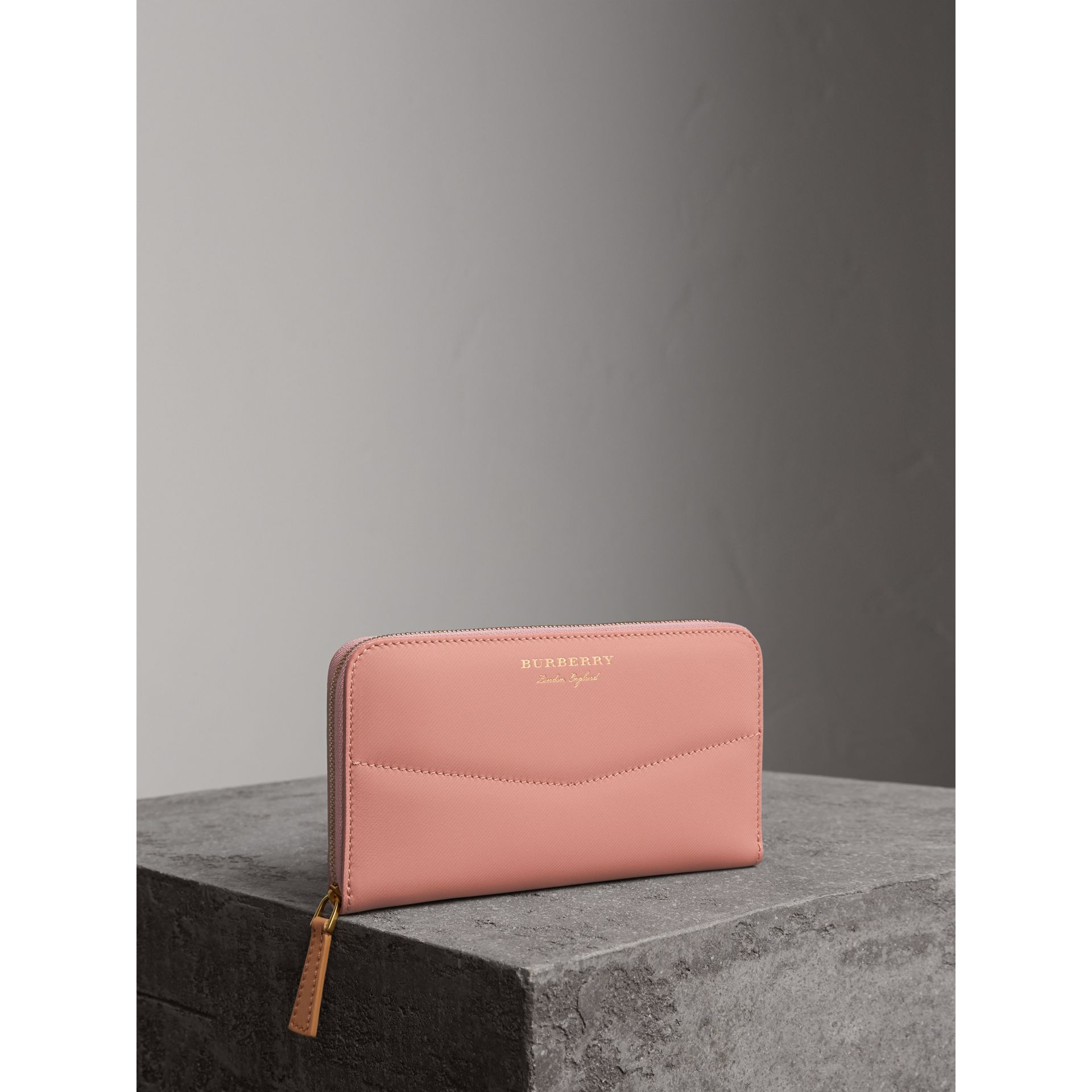 Two-tone Trench Leather Ziparound Wallet in Ash Rose/pale Clementine - Women | Burberry - gallery image 0