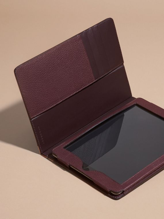 Grainy Leather and House Check iPad Case in Wine - cell image 2