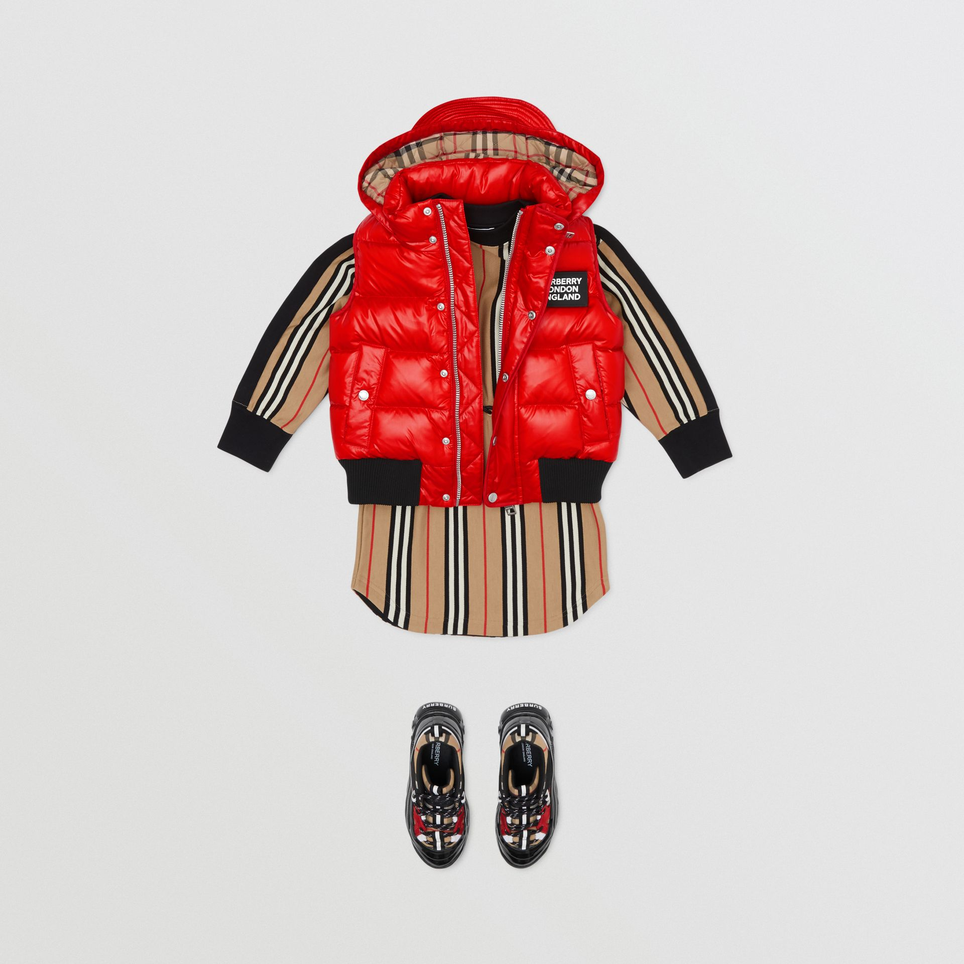 Detachable Hood Nylon Puffer Gilet in Pillar Box Red | Burberry Singapore - gallery image 2
