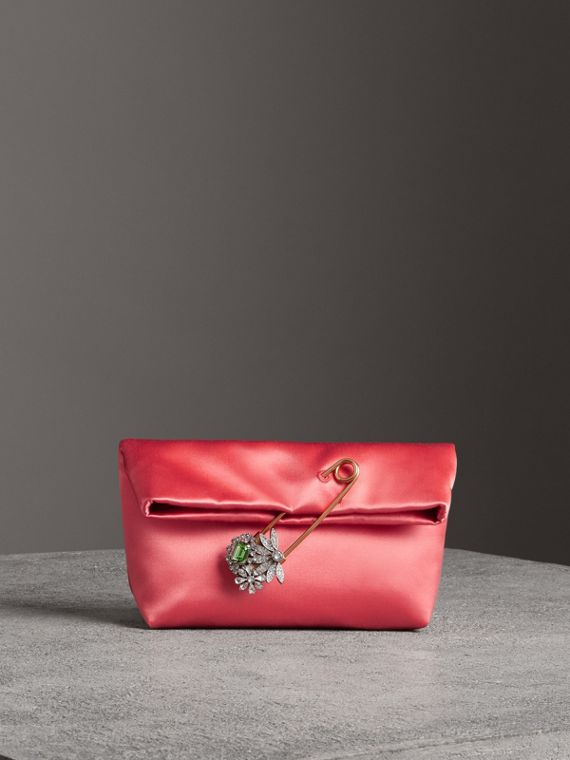 Petit clutch The Pin en satin (Cannelle Pâle)