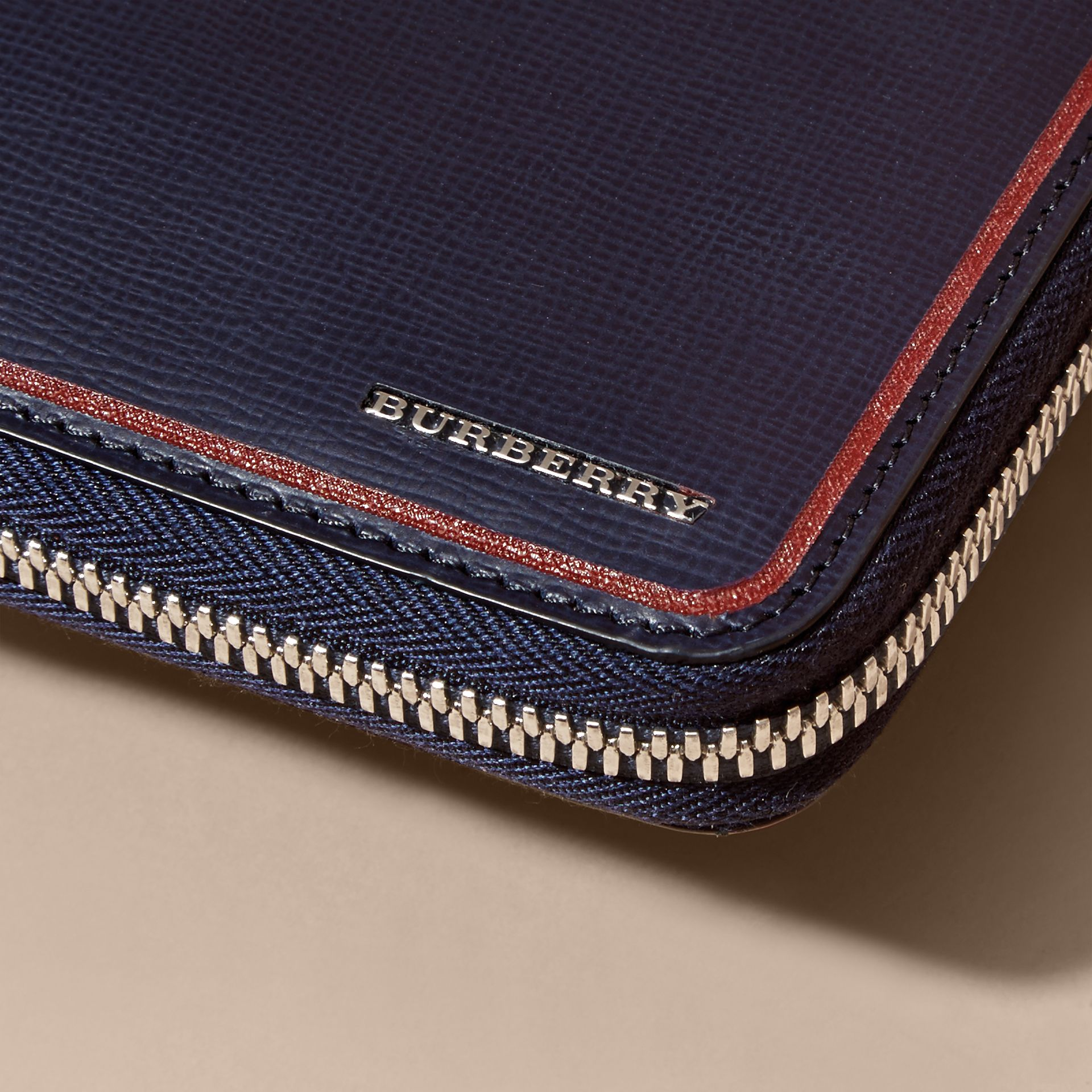 Border Detail London Leather Ziparound Wallet Dark Navy - gallery image 4