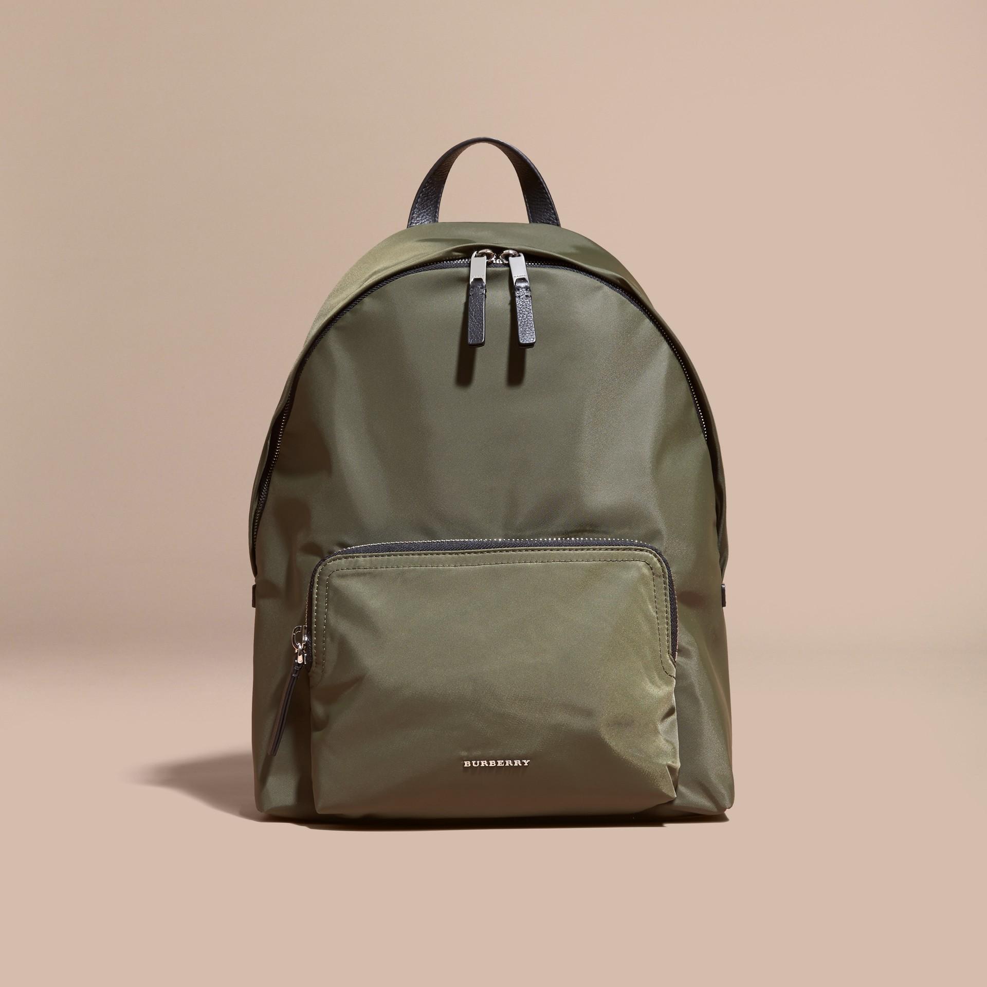 Verde tela Zaino in nylon con finiture in pelle Verde Tela - immagine della galleria 8