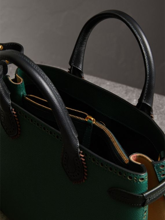 The Medium Banner in Brogue Detail Leather in Sea Green - Women | Burberry Australia - cell image 3